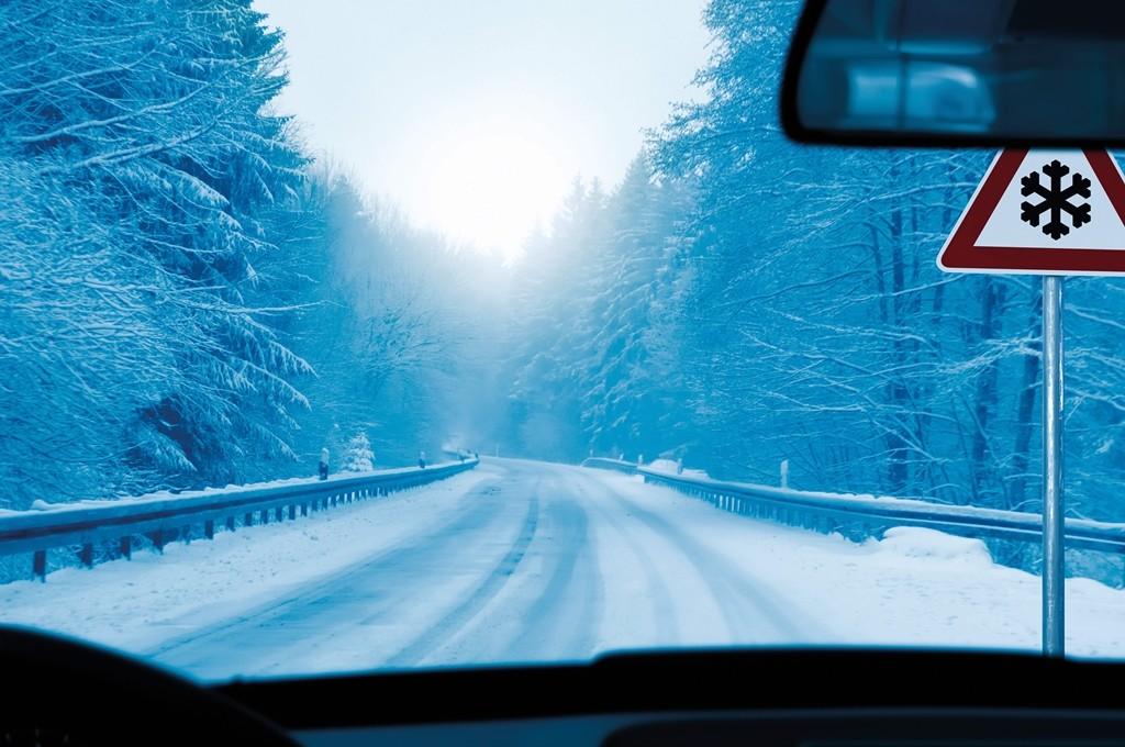 Cuando llega el frío, ¿es necesario cambiar los neumáticos?