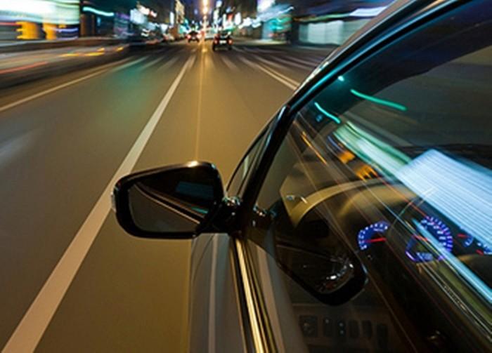 Consejos para una conducción segura (3): aceleración y frenado