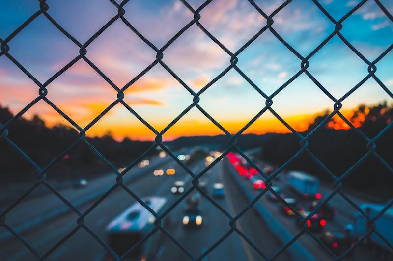 Decisiones erróneas al volante: analizamos las causas de un siniestro vial
