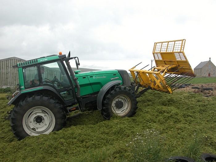 Cómo conducir un tractor sin riesgos