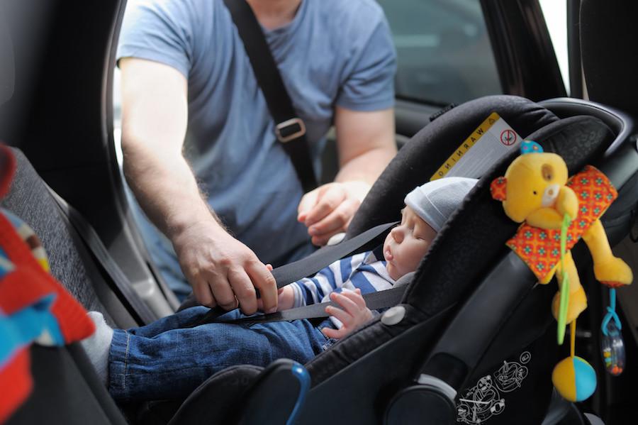 olvido niño en coche