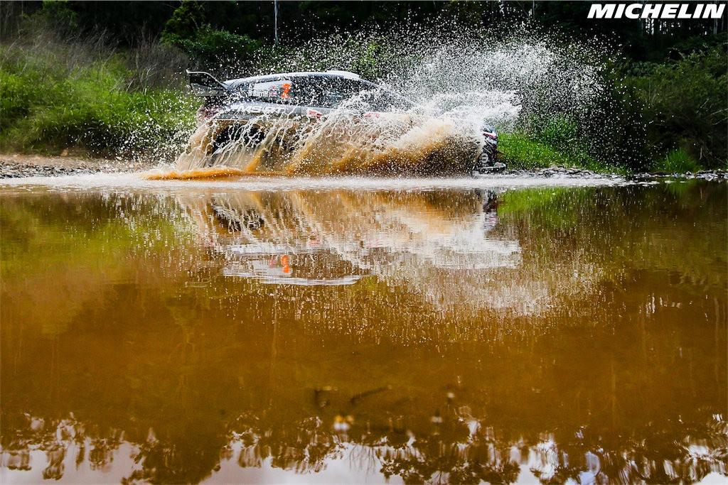 ¿Cúales son las cualidades de un neumático de rally?
