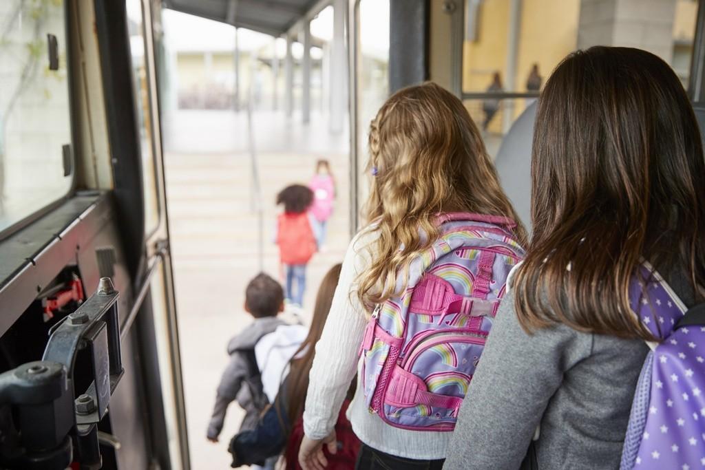 La campaña de vigilancia escolar de la DGT deja 1.451 autobuses sancionados