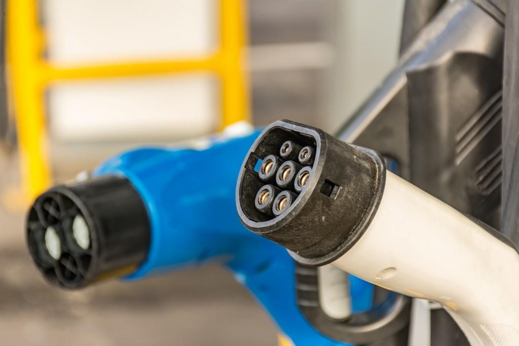 Conectores coche eléctrico Mennekes y CHAdeMO
