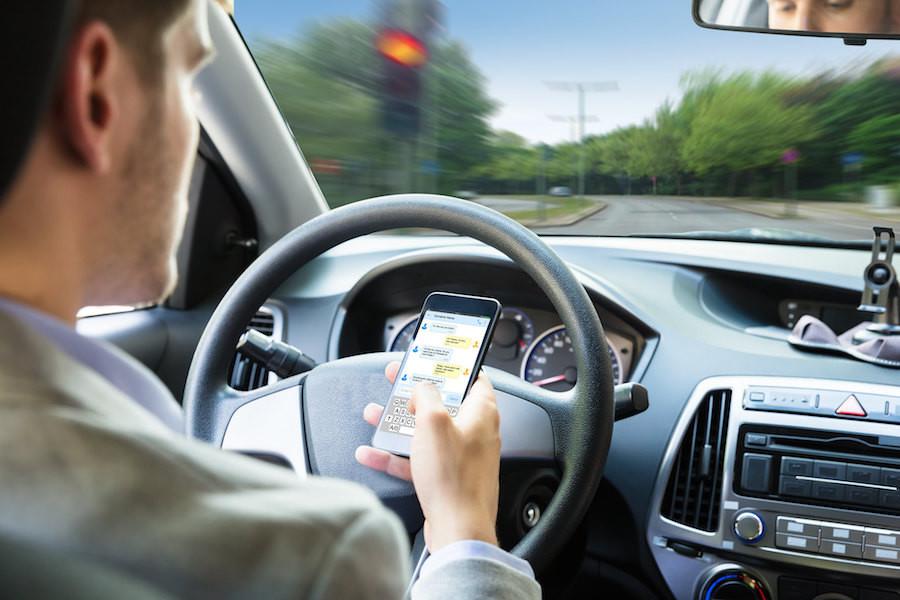 Ya no hay ángulo para coger el móvil al volante sin ser detectado