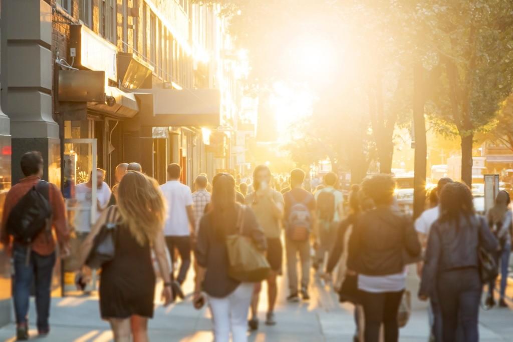 Cinco motivos para dar más espacio urbano al peatón