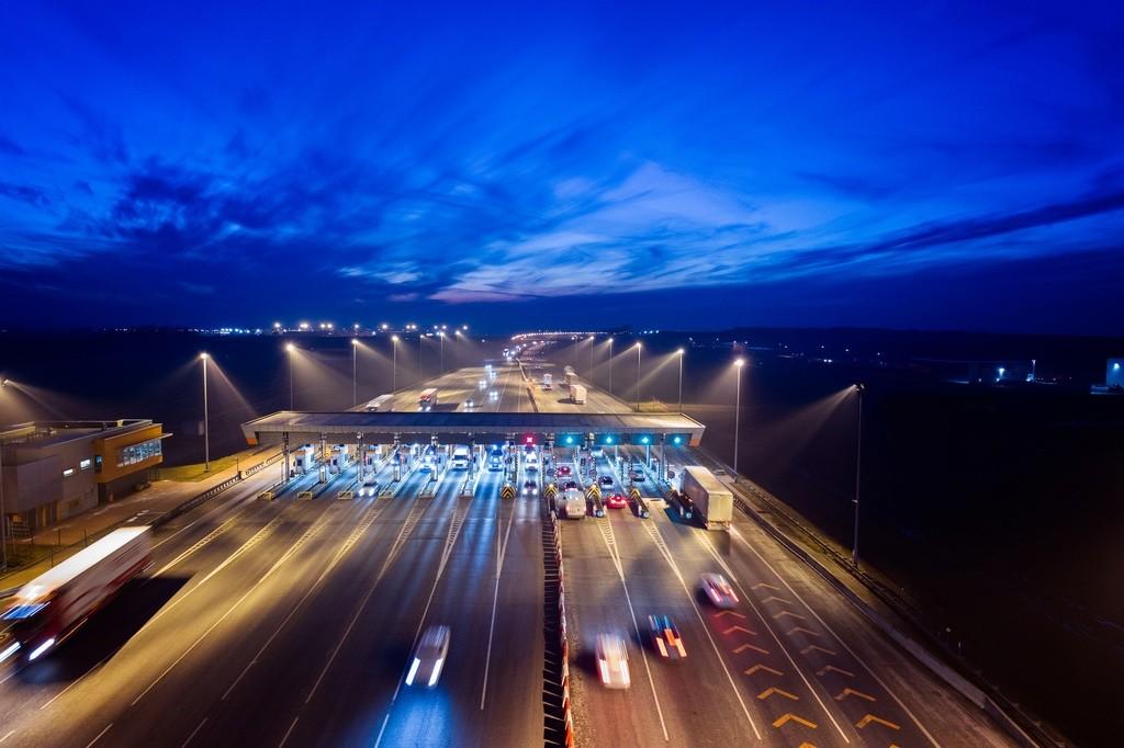 Las autopistas rescatadas aumentan su tráfico al bajar el coste del peaje