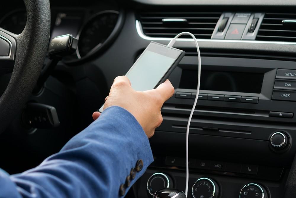 podcast en el coche