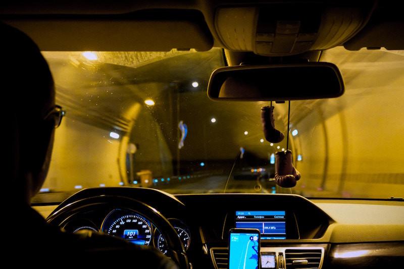 Gafas amarillas para conducir de noche, ¿realidad o mito?