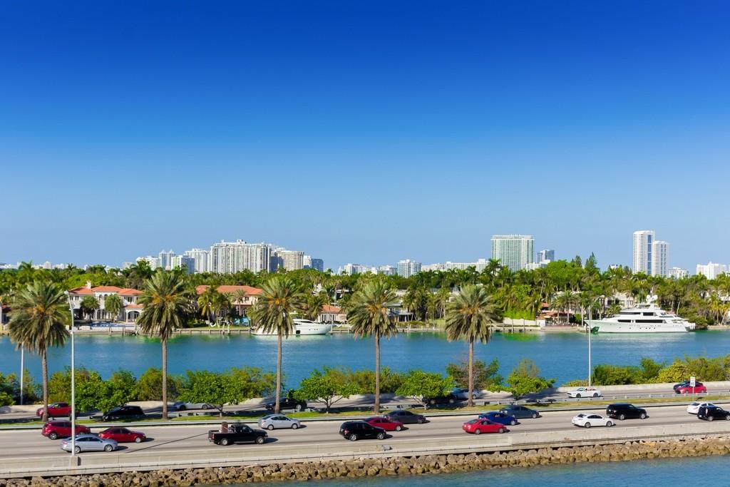Florida quiere ser el paraíso del coche autónomo y los autoriza en sus carreteras