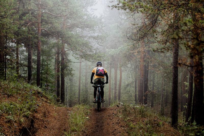 ¿Eres ciclista de montaña? Estos son los elementos de seguridad imprescindibles