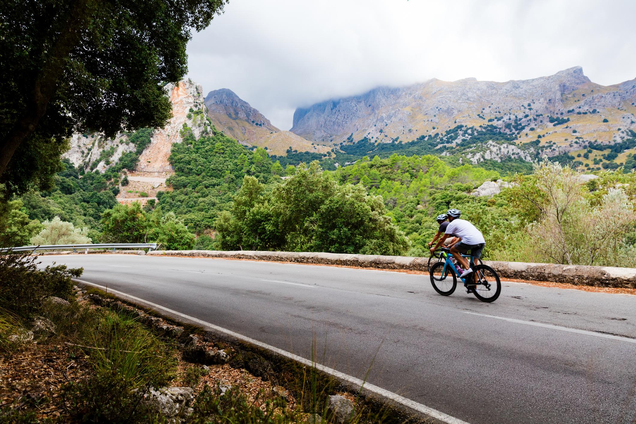 ¿Por qué 1,5 metros de distancia para adelantar al ciclista?