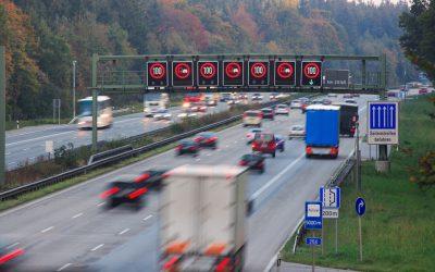 ¿Debería Alemania poner límites de velocidad a toda la Autobahn?
