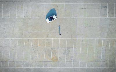 Los daños que sufrimos por aparcar mal y cómo podemos evitarlo