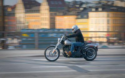 ¿Has pasado del coche a la moto para moverte por la ciudad? Claves para conducir con seguridad