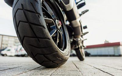 Qué condiciones tienen que tener los neumáticos de una motocicleta