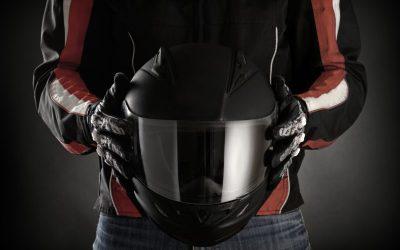 Cómo desinfectar el casco y los guantes de la moto