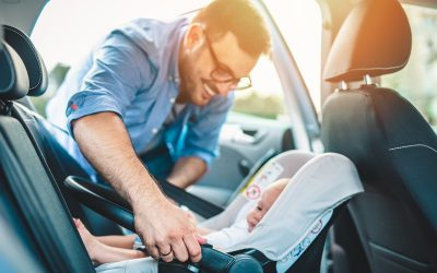 ¿Debo revisar la instalación de la sillita de coche de mi hijo si llevo mucho tiempo sin usarla?