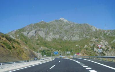 Todas las diferencias entre autopista y autovia