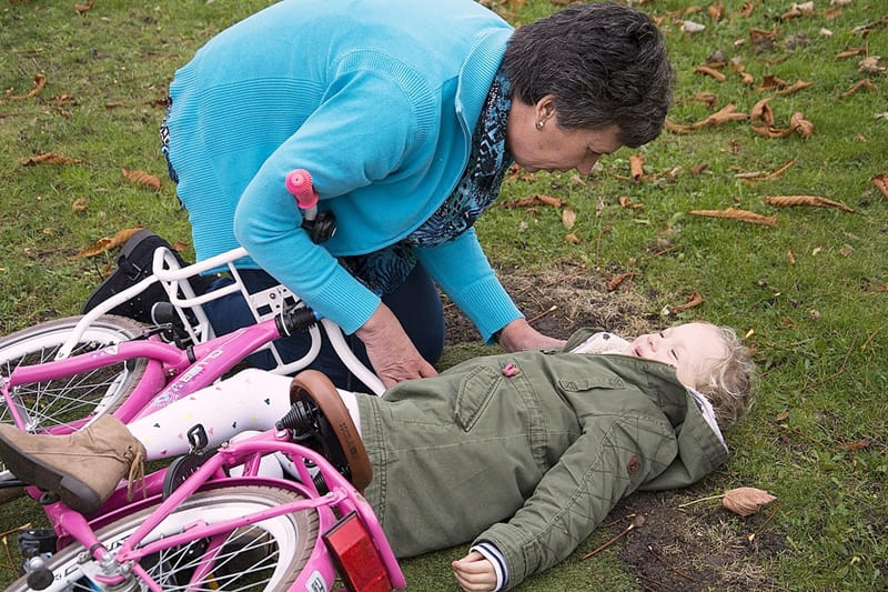 Primeros auxilios para niños ante accidentes en la calle
