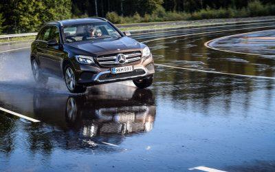 ¿Qué es la rigidez torsional de un vehículo y cómo afecta a la seguridad?