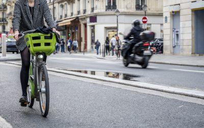 Ciudades sin coches: estos son los planes de París y Barcelona para alcanzar su objetivo