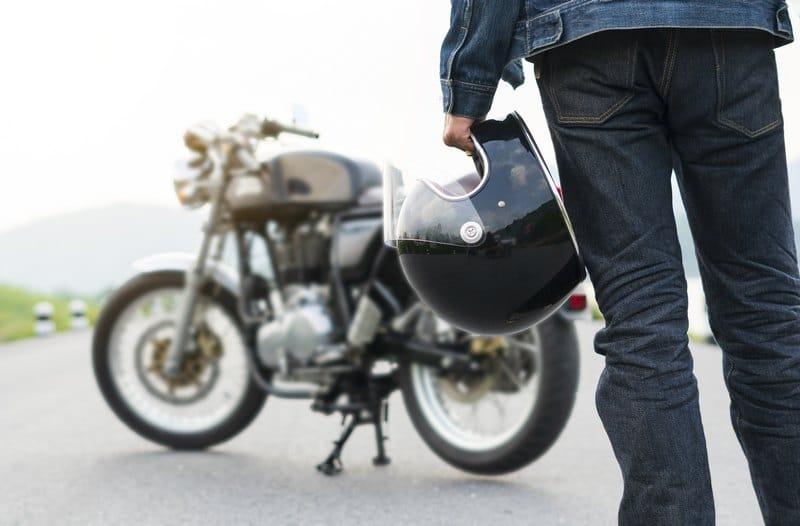 Moto y casco