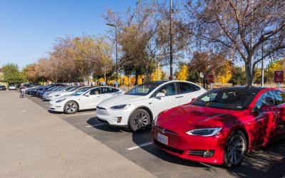 Tesla Dojo, una red neuronal para hacer más segura la conducción semi-autónoma
