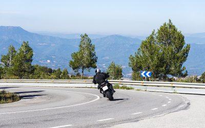 La DGT señaliza 100 tramos peligrosos para motoristas: las razones de esta medida