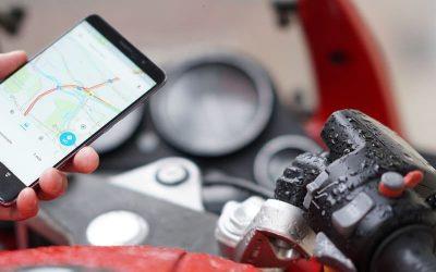 Todo sobre el uso de GPS, navegadores y el móvil mientras vamos en moto