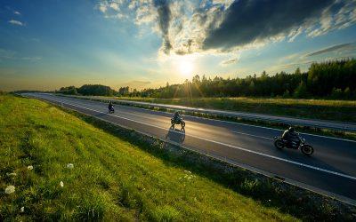 La DGT anuncia (de nuevo) que las motos podrán circular por el arcén