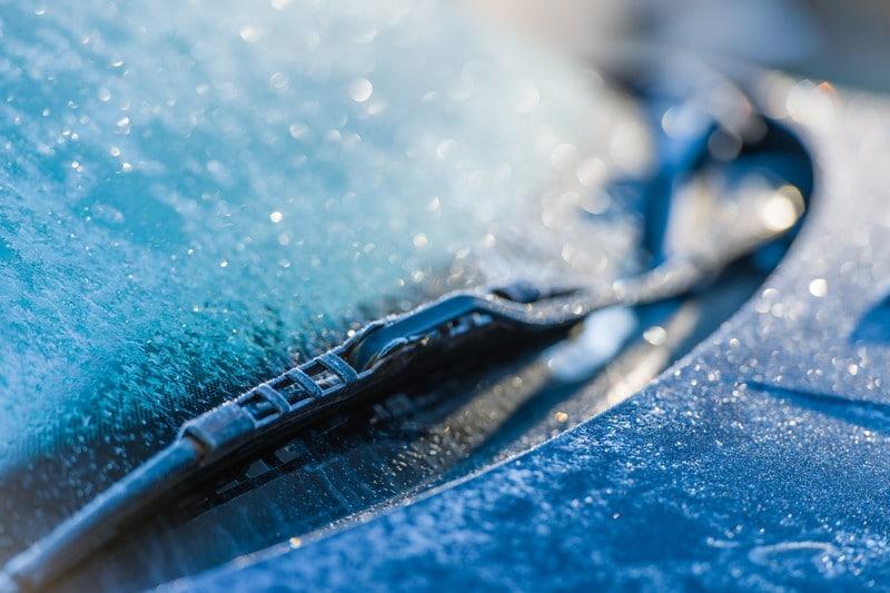 Limpiaparabrisas congelado