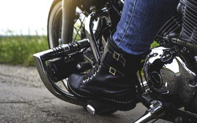 Consejos básicos para conducir por primera vez con una moto con marchas