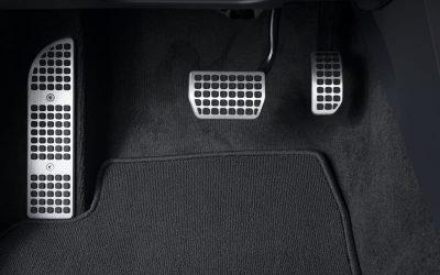 Todo sobre las alfombrillas del coche: ¿puedo prescindir de ellas?