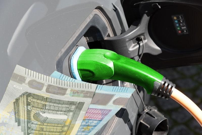 Mantenimiento de coche eléctrico