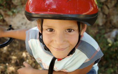 Pedaleando con cabeza: cascos inteligentes